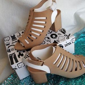 BAMBOO lacercut block heel sandle 10 NWB